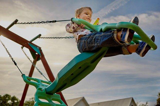 Ongeval bij kinderen onder toezicht van school: wie is verantwoordelijk?